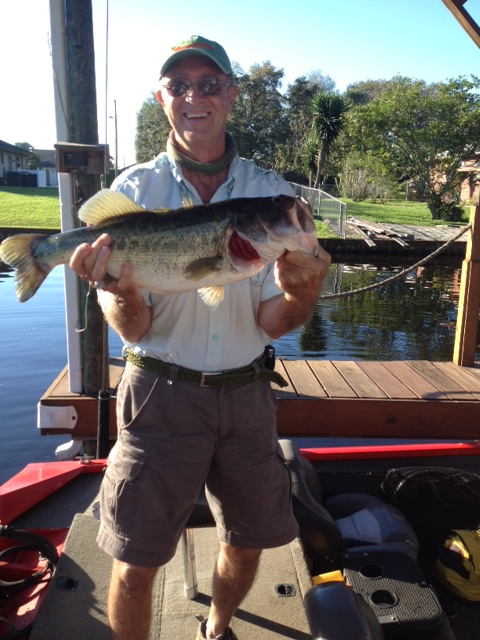 Johnny Six Pound Lake June Bass (July, 2018 lake placid florida fishing)